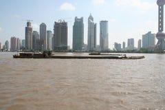 Gabarra china en la Federación de Shangai imagen de archivo libre de regalías