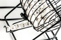 Gabbia di bingo con le palle di numero Immagini Stock Libere da Diritti