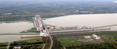 Gabcikovo水坝鸟瞰图 免版税库存照片