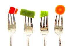 Gabeln mit Gemüse Rot und grüner Paprika, Bohnen Stockbild