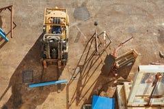 Gabelstapler in einem industriellen Yard Stockbilder
