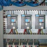 Gabinete de la automatización y equipo modernos del control Fotografía de archivo libre de regalías