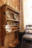 Gabinete para utensílios de mesa na cozinha imagem de stock royalty free