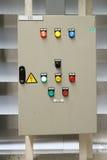 Gabinetto di controllo elettrico che utilizza in fabbrica per alta tensione elettrotecnica Fotografie Stock