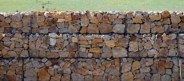 Gabion Steinwand Stockbild