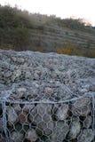 Gabiony - nabrzeżna ochrona Zdjęcie Stock