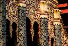 Gable Art do templo - Luang Prabang, Laos fotos de stock royalty free