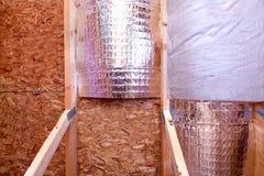 Gable View de projeto em curso da isolação do sótão da casa com calor a imagem de stock