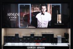 Gabloty wystawowej pachnidło dla mężczyzn Koduje Giorgio Armani reklamowa firma z Ryan Reynolds moscow 20 03 2019 obraz stock