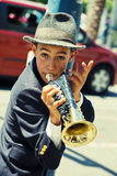 Gabriel Angelo, giocatore di tromba, esecutore della via Fotografie Stock