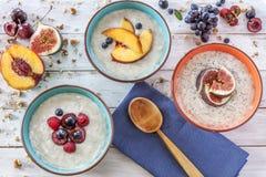 Gachas de avena del desayuno de la mañana Imagen de archivo libre de regalías
