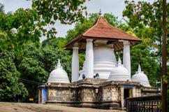 Gadaladenyia Vihara Kandy stad, Sri Lanka Arkivbilder