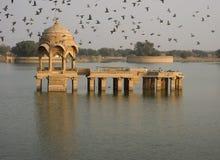 Gadi Sagar Lake Pavilion Royalty Free Stock Photos