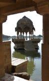Gadisar坦克, Jaisalmer 免版税图库摄影