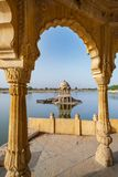 Gadisar See morgens bei Jaisalmer, Rajasthan, Indien stockfotos