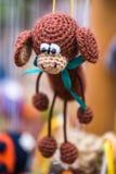 Gado feito crochê brinquedo Fotografia de Stock Royalty Free