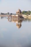Gadsisar湖是其中一个Jaisalmer的主要旅游胜地 免版税库存图片