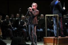 Gaetano Curreri singt auf Stadium Stockfotografie