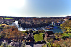 Gaf Oloron-rivierpanorama van middeleeuwse vil sauveterre-DE-Bearn stock foto