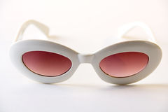 Gafas de sol blancas Fotos de archivo libres de regalías