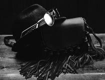 gafas de sol con el sombrero y el bolso Foto de archivo