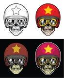 Gafas del cráneo del motorista y casco de la bandera de Vietnam del Grunge que llevan, cráneo del dibujo de la mano Imagen de archivo