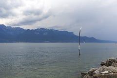 Gaffelmonument i sjön i Vevey Royaltyfria Foton