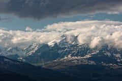 Gaflei, Vaduz, Liechtenstein - szaleje nad Rhine doliną od Gaflei panoramy wierza z chmurnymi Apenzell Alps zdjęcie royalty free