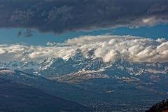 Gaflei, Vaduz, Liechtenstein - szaleje nad Rhine doliną od Gaflei panoramy wierza z chmurnymi Apenzell Alps zdjęcia stock