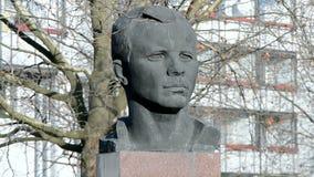 Gagarin Yury, primer cosmonauta, monumento en Erfurt, Alemania, metrajes