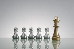 Gage d'or de roi et d'argent - concept de direction photographie stock