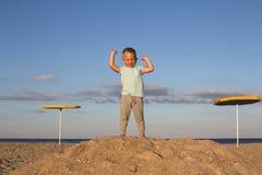 Gagnant d'enfant sur le dessus du thehill Images libres de droits