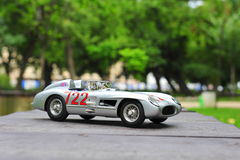 Gagnant Sir Stirling Moss de Mercedes-Benz 300 SLR Mille Miglia Images stock