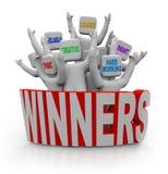 Gagnants - les gens avec des qualités de travail d'équipe illustration stock
