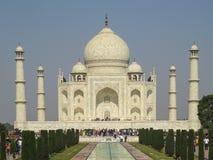 Gagra Indien, November 21, 2013 Taj Mahal är en härlig mausoleum av vit marmor som byggs av den Mughal kejsaren Shah Jahan royaltyfria bilder