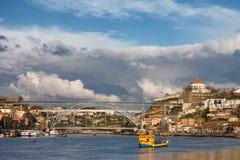 Gaia i Porto pejzaż miejski od Douro rzeki Zdjęcie Stock