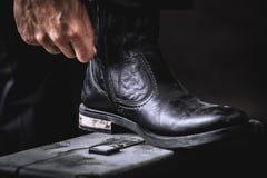 Gaines en cuir sur le valise Photo libre de droits