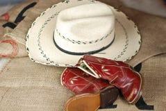 Gaines et chapeau de cowboy de l'enfant Photos stock