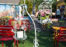 Gaiola decorativa com flores fotos de stock royalty free