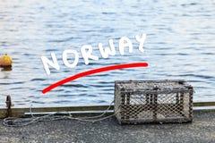 Gaiola do caranguejo no porto na costa Imagem de Stock Royalty Free