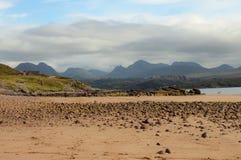 Gairloch, Nordwest-Schottland-Strand an einem sonnigen Tag Stockfotografie