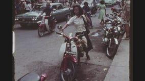 Gajah apretado Mada Main Street almacen de video