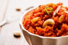 Gajar Halwa или морковь Halwa стоковая фотография