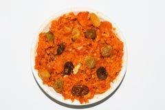 Gajarhalwa is wortel gebaseerde die pudding met khya, melk, amandel, pistache wordt gemaakt royalty-vrije stock foto