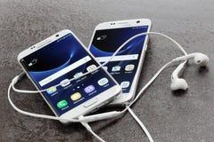 Galáxia 7 da borda e do Samsung da galáxia 7 de Samsung Fotos de Stock