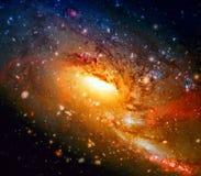 Galáxia espiral colorida no espaço Elementos desta imagem fornecidos pela NASA imagens de stock