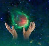 Galáxia nas mãos. fotografia de stock