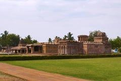 Galaganathagroep tempels, Aihole, Bagalkot, Karnataka Van recht - Suryanarayana-Tempel, Knul Khan Temple, en Chakra Gudi tem royalty-vrije stock foto's