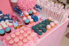 Galanteryjny błękitny i różowy stołu set Zdjęcie Stock