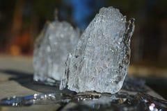 Galanteryjny lodowy floe łapiący od jeziora w wiośnie obrazy royalty free